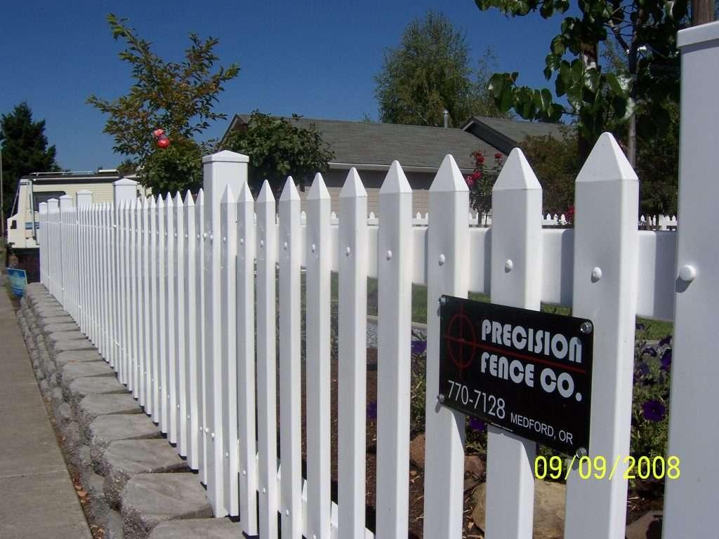 vinyl-fence-builder